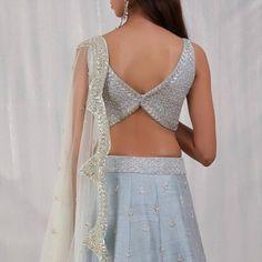 Choli Blouse Design, Saree Blouse Neck Designs, Choli Designs, Fancy Blouse Designs, Stylish Blouse Design, Latest Design Of Blouse, Designer Party Wear Dresses, Designer Blouse Patterns, Design Ideas