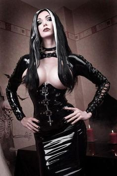 #Fetish #Goth latex bodice and pencil skirt
