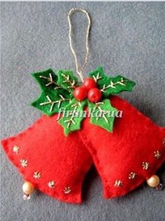 Resultado de imagem para ideas for felt christmas decorations Felt Christmas Decorations, Christmas Ornaments To Make, Christmas Sewing, Christmas Makes, Noel Christmas, Felt Ornaments, Homemade Christmas, Christmas Projects, Felt Crafts
