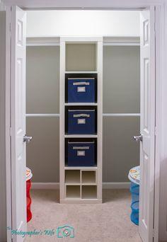 Closet-using ikea expedit 5x1