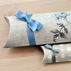 DIY Pillow Boxes for small gifts. Free printables and how-to instructions!