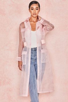 Women's Fashion: Shop Luxe Party Dresses, Designer Shoes & More. The world's one-stop shop for super chic party dresses, must-have shoes, statement jewellery and more - ALL designed in London. Iranian Women Fashion, Womens Fashion, Kimono Fashion, Fashion Dresses, Mode Kimono, Mode Abaya, Chiffon, Merian, Organza Dress