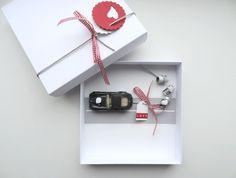 Geldgeschenke - Geldgeschenk Hochzeit Auto (bahn) rot - ein Designerstück von schnurzpieps bei DaWanda