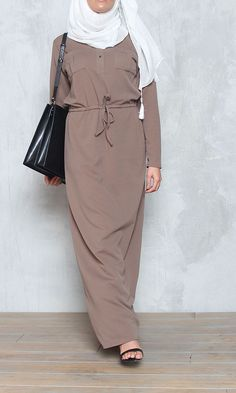 Abaya Causual - Abaya - Shop - Ziano                              … Modest Outfits Muslim, Modest Fashion Hijab, Hijab Casual, Hijab Chic, Hijab Outfit, Women's Fashion Dresses, Arab Fashion, Islamic Fashion, Muslim Fashion