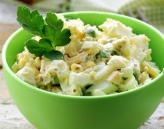 Greek Egg Salad made with Greek Gods Yogurt! Spinach Salad, Egg Salad, Greek Recipes, Light Recipes, Healthy Snacks, Healthy Eating, Healthy Recipes, Lunch Recipes, Cooking Recipes