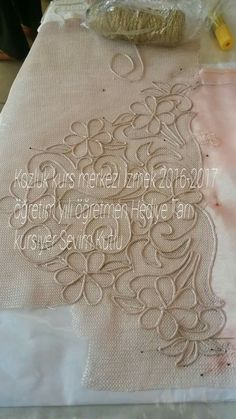 This Pin was discovered by Muh Gold Embroidery, Hand Embroidery Stitches, Hand Quilting, Embroidery Patterns, Jute Crafts, Diy Crafts For Gifts, Irish Crochet, Crochet Lace, Romanian Lace