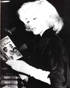 One of many pictures of Marilyn reading.