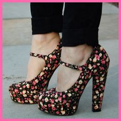 Floral pumps heels vintage rockabilly size 9 NWT Forever 21 floral vintage inspired pumps / heels. New with tags. I'm trying to make my money back - $26 plus shipping. But I'm open to offers or you can bundle for 20% off. Forever 21 Shoes Heels