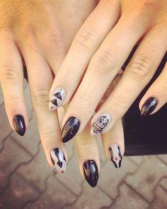 """""""#nails #nailsy #naisfashion #manicure #mani  #paznokciehybrydowe #paznokcie #paznokcieżelowe #wzorkinapaznokcie #iconnails #lapremierka #lovemanicure…"""""""