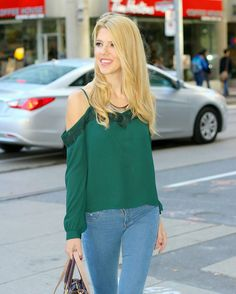 Check the blog for tips on how to choose the right cold shoulder top for fall and winter  You can also see more pics of this gorgeous green top on the blog  {carolynabauer.com} http://liketk.it/2pwIo @liketoknow.it #liketkit