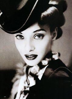 Top 40s Fashion // Chrystelle Saint Louis Augustin by Mario Testino // Allure January 1995