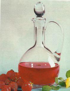 Receita de Licor de Morango -Surpreenda os seus amigos, ao servir-lhes numa noite de convívio, um licor feito por si. Veja como fazer estareceita de Licor de Morangode forma simples e apetitosa! Confira a nossa receita e deixe-nos a sua opinião.