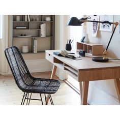 Small Office Decor - For so many adult men, having a nice office in his home becoming an absolute need. They consider their private home office as a cave, Apartment Furniture Layout, Home Office Furniture, Furniture Ideas, Small Office Decor, Home Office Decor, Interior Flat, Interior Design, Small Room Bedroom, Small Rooms