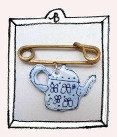 buddug sketched teapot pin