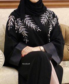 Modern Hijab Fashion, Abaya Fashion, Muslim Fashion, Modest Fashion, Trendy Fashion, Maxi Outfits, Fashion Outfits, Black Abaya, Mode Abaya