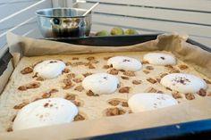 Terveellinen pannukakku: Päärynä sopii joka päivän herkuksi Gluten, Eggs, Breakfast, Food, Morning Coffee, Essen, Egg, Meals, Yemek
