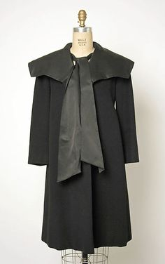 Coat by Charles James Retro Vintage Dresses, Retro Dress, Vintage Outfits, Charles James, 1950s Fashion, Vintage Fashion, Classic Fashion, Evening Skirts, 1950s Outfits