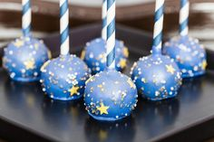 twinkle little star cakes for starry weddings