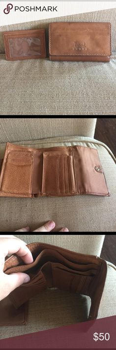 🌺VINTAGE FOSSIL SET OF 2 WALLETS Small wallet is to hold ID and some cards. The bigger wallet holds everything it's a smaller wallet that can hold a lot! Has a lot of darkening in the leather from constant use. I think it gives it character. Area for coins on the back. Genuine leather very soft. Make me an offer! Fossil Bags Wallets