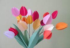 http://otthonkeszultjatekok.blogspot.hu/2013/03/egy-csokor-tulipan-papirbol.html
