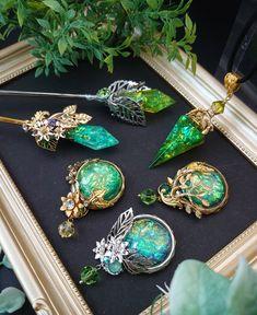 Resin Jewelry, Diy Jewelry, Beaded Jewelry, Handmade Jewelry, Jewelry Making, Unique Jewelry, Timeless Beauty, Resin Art, Glass Pendants