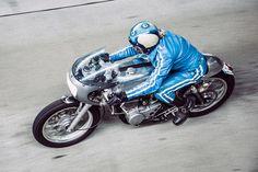 Leather Clad Custom - Yamaha SR400 Cafe Racer ~ via ReturnoftheCafeRacers.com
