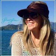 Ela ficou ainda mais maravilhosa com a viseira glueglue chocolate 😍 👉🏼Vista proteção fashion sustentável ! 🌍🌍🌍🌍🌎🌎🌎🌎🌍🌎🌎🌍🌎🌍 #gluegluedelivery #viseira #viseiras #fashion #trend #tendencia #umadecadacorporfavor #tendencia2017 #dermatologistapproved #dermatologistabarradatijuca #dermatologistaipanema #elasvestemglueglue #dermatologistanabarra #protecaouv #protecaosolar #modelo #vogue #voguebrasil #atrizglobal