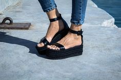 Elegance is a good taste plus a dash of daring.. 🆓 Stunning black leather flatform sandal , handmade in Greece by genuine luxury leather, chemical free. The particular platform is designed to make all feet look super feminine, thin and elegant! The bottom is made of leather and