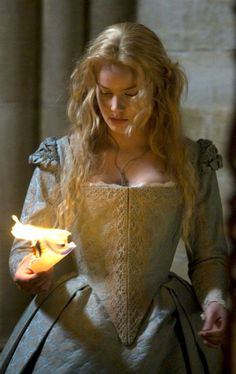 Elizabeth: The Golden Age. Costume design by Alexandra Byrne.