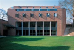The Sloane Robinson Building, Keble College, Oxford // Rick Mather Architects // 2002
