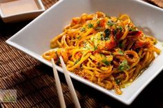 Spicy Sesame Noodles Recipe with spaghetti, reduced sodium soy sauce, sesame… Veggie Yakisoba Recipe, Simple Sesame Noodles, Spaghetti Recipes, Noodle Recipes, Vegan Dishes, International Recipes, Pasta Dishes, Asian Recipes, Kitchenaid