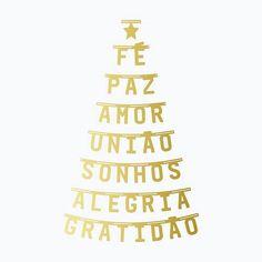 Aeee! Olha quem voltou: Nosso Kit Banner de Letras Árvore de Natal, que foi um sucesso no ano passado, está de volta e agora também na cor dourada.  Uma opção super linda e criativa para decorar neste fim de ano. E o melhor é que depois pode usar as palavras separadamente para decorar a casa no resto do ano todo. Demais, né?!  Produto exclusivo. Para comprar, acesse nossa loja online. Tem o link aqui no perfil.     #DivirtaSeDecorando #bannerdeletras #decor #decoracao #instadecor #casa ...