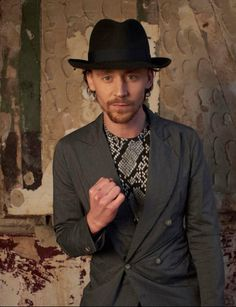 He has STYLE! | Why We Love Tom Hiddleston So MucH
