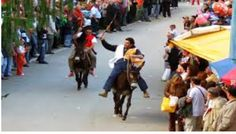 Sagra della Polenta e Palio dei Ciuchi-Polenta Festival and Donkey competition, Oct. 25, 2015, 10 a.m. to 9 p.m., in Sassetta (Livorno); medieval reenactment, flag-throwers; at 3 p.m. the town's districts compete in a traditional donkey race; local products and crafts exhibit and sale; food booths open at noon and at 6 p.m.