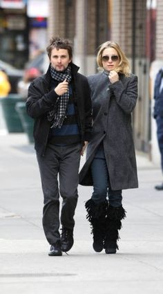 Kate Hudson in Minnetonka 5-Layer Fringe-Three colors! We have your size! Review them off of: http://www.indianvillagemall.com/mocs/fivelayerfringeboot.html