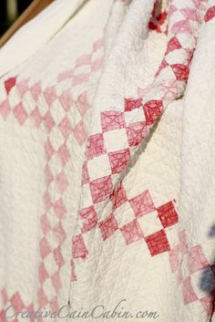 Vintage red / pink and white double Irish chain Quilt. LOOOVE