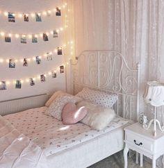 Cute Bedroom Decor, Bedroom Wall Designs, Teen Room Decor, Small Room Bedroom, Room Ideas Bedroom, Dorm Room, Tumblr Room Decor, Diy Home Decor Easy, Aesthetic Room Decor