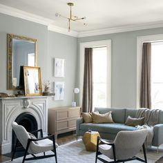 Benjamin Moore Just Released the Most Sophisticated Paint Color Of The Year. Benjamin Moore Just Released the Most Sophisticated Paint Color Of The Year - benjamin moore metropolitan swatch in living room. Small Space Living Room, Living Room Colors, Living Room Grey, Living Room Designs, Living Room Furniture, Living Room Decor, Small Spaces, Small Living, Painting Living Rooms