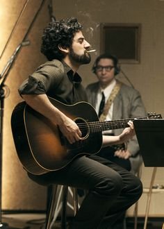"""Oscar Isaac in """"Inside Llewyn Davis"""" directed by Ethan Coen, Joel Coen - I lost their fucking cat, I feel bad about it. - That's what you feel bad about? Oscar Isaac, Pretty People, Beautiful People, Joel And Ethan Coen, Les Miserables, Film Stills, Gorgeous Men, Actors & Actresses, Movie Tv"""