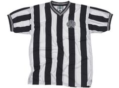 Score Draw Newcastle United 1984 Home Retro Football Shirt This was the season which the Magpies bid farewell to Kevin Keegan, who announced his retirement after scoring 48 goals in just 78 matches.Made by Score Draw from polyester, the Newcastle United 1984  http://www.MightGet.com/february-2017-2/score-draw-newcastle-united-1984-home-retro-football-shirt.asp