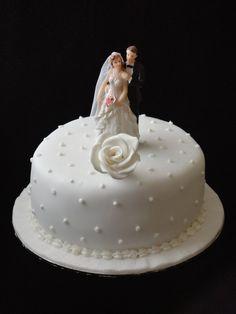Anniversary Cakes The Scrumptious Bites Wedding Cakesanniversary Cake Designs25