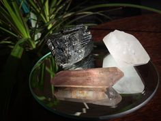 high frequency healing trio of tourmaline, leo starbury quartz and lithium quartz
