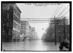 Flooded warehouses Elm St. looking north, Cincinnati, Ohio (LOC)