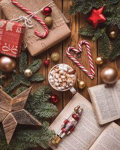 Christmas Coffee, Noel Christmas, Winter Christmas, Xmas, Simple Christmas, Christmas Food Photography, Wallpaper Natal, Christmas Flatlay, Cute Christmas Wallpaper