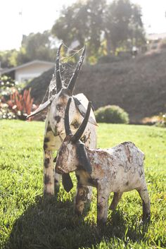 I want a yard full of these metal goats!!