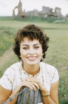 Portrait of Italian actress Sophia Loren as she smiels and leans on a fencepost by the Via Appia antica (or Appian Way, an ancient road), Rome, Italy, (Photo by Loomis Dean/Time & Life Pictures/Getty Images) Hollywood Glamour, Hollywood Stars, Classic Hollywood, Old Hollywood, Hollywood Actresses, Sophia Loren, Rita Hayworth, Brigitte Bardot, Bridget Bardot