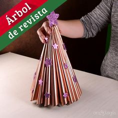 23 christmas ornaments diy homemade simple and easy 00023 Christmas Angel Crafts, Handmade Christmas Decorations, Diy Christmas Ornaments, Homemade Christmas, Christmas Fun, Holiday Crafts, Handmade Christmas Tree, Natal Diy, 5 Minute Crafts Videos