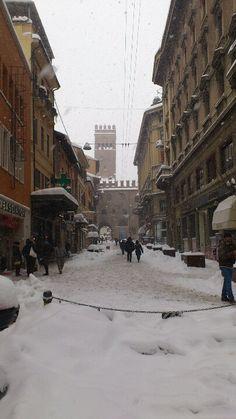 Bologna,Italia..Via Orefici, 2012...❄