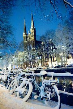 Winter in Amsterdam, by night, 2010