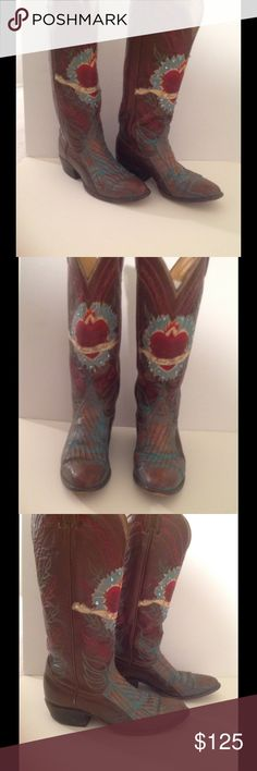 """❤THIS PAIR ROMANTIC TONY LAMA """"Te Amo Mucho"""" Boots Gorgeous pair of romantic Tony Lama boots they have a beautiful heart design in front with the scroll across it that reads """"Te Amo Mucho"""" the colors are beautiful please look at the photos these are in great condition you simply LOVE THEM! They are 5.5 but I am listing as a 6 bcz I am a true size 6 and I have plenty of room for thick socks I believe even a 6.5 could wear these. Thank you for looking Tony Lama Shoes Heeled Boots"""